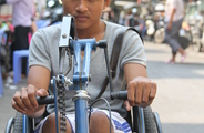 HoPP, 2014-04-30-Doeurn-Disable Man